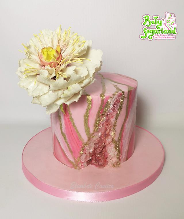 Pink marbled geode cake