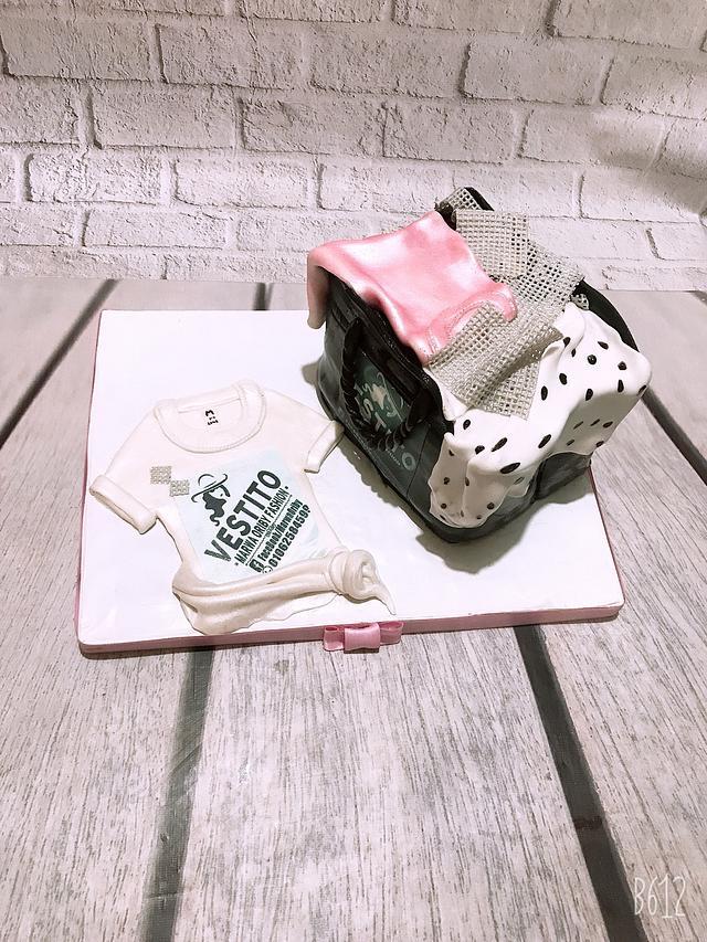Shopping bag cake