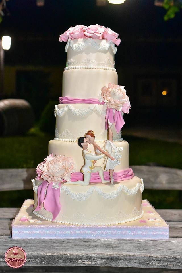 Wedding cake for a ballet couple