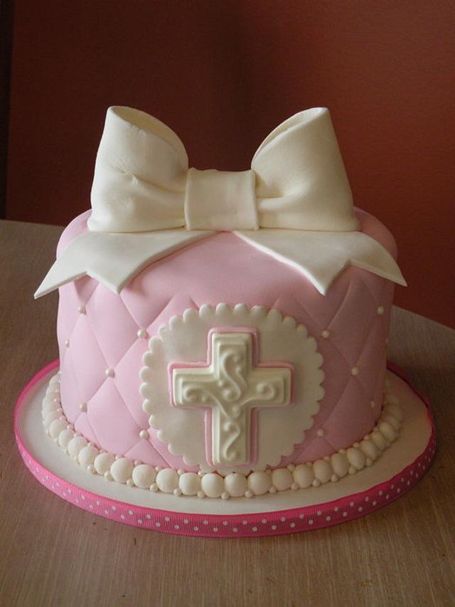 Pink Holy Communion cake & cupcakes