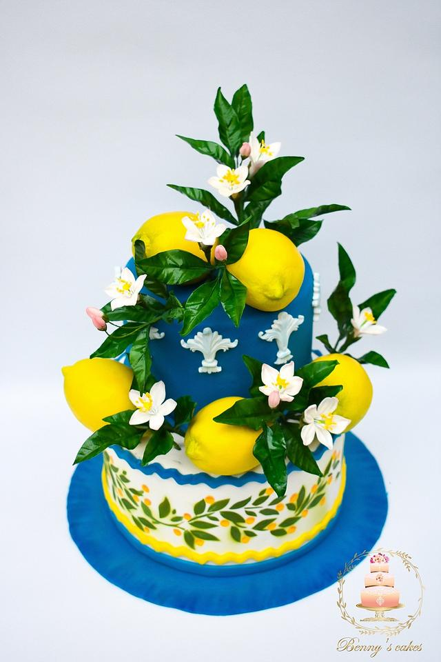 "My piece of ""Art of pottery""- an international cake art collaboration"