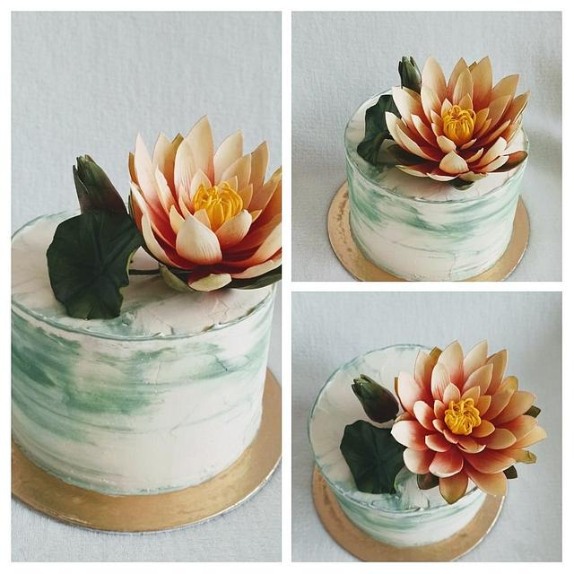 Cake with water lily