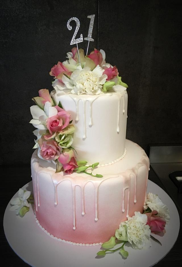 Fresh flower and Fondant 21st cake