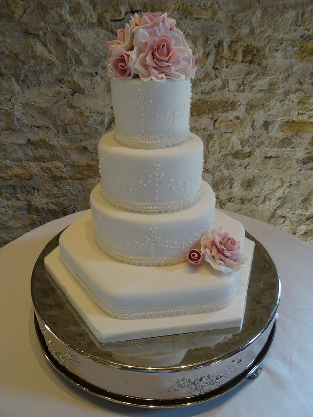 Romantic roses wedding cake.