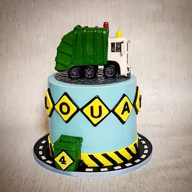 Pleasing Garbage Truck Cake Cake By The Custom Piece Of Cake Cakesdecor Personalised Birthday Cards Veneteletsinfo