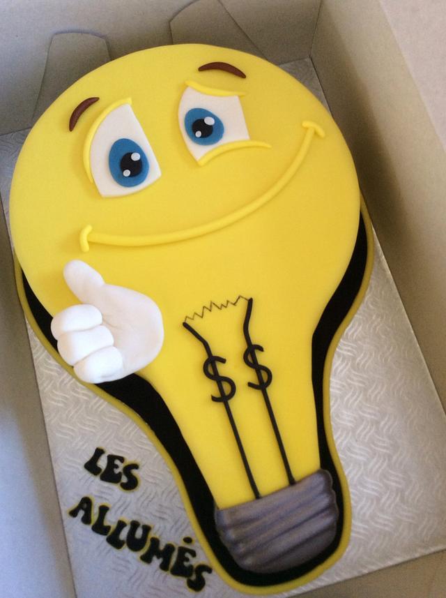 Light bulb cake