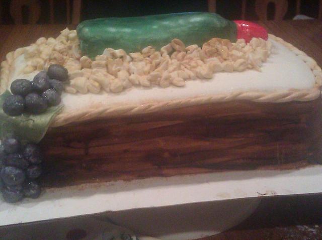 Wine cake with wood grain box