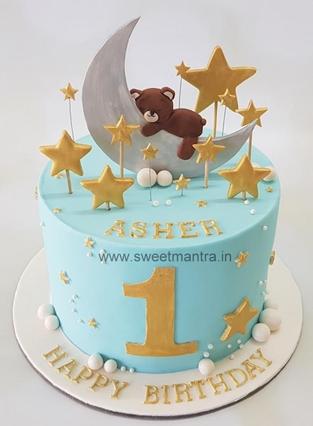 Pleasing Moon And Stars Theme 1St Birthday Cake For Boy Cake By Cakesdecor Personalised Birthday Cards Veneteletsinfo