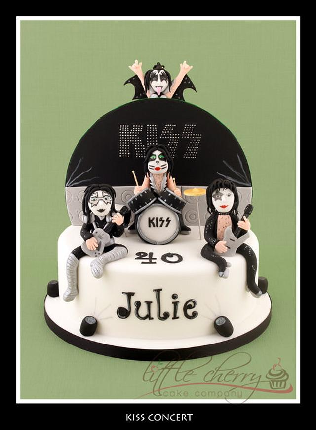 Kiss in Concert Cake