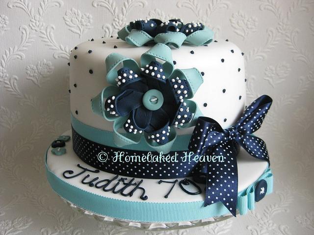Sugar ribbon corsage cake