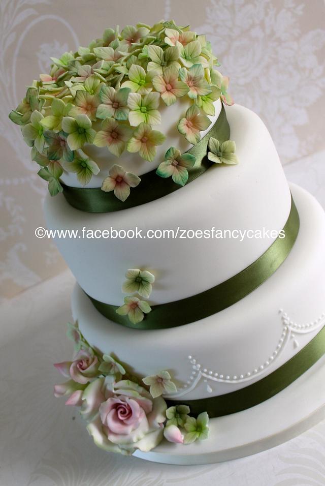Hydrangea and rose wedding cake