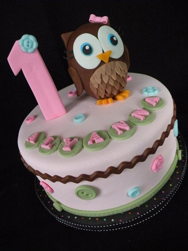 Swell Hoot Of A 1St Birthday Owl Cake Cake By Teresa Cunha Cakesdecor Funny Birthday Cards Online Amentibdeldamsfinfo