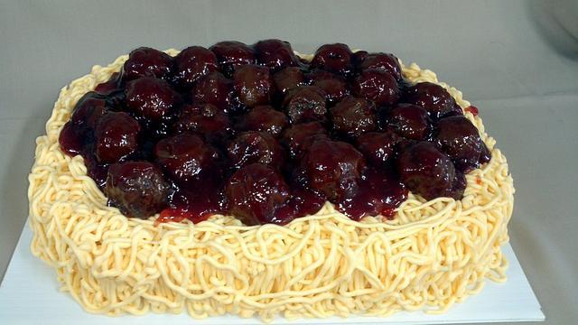 Spaghetti & meatball cake