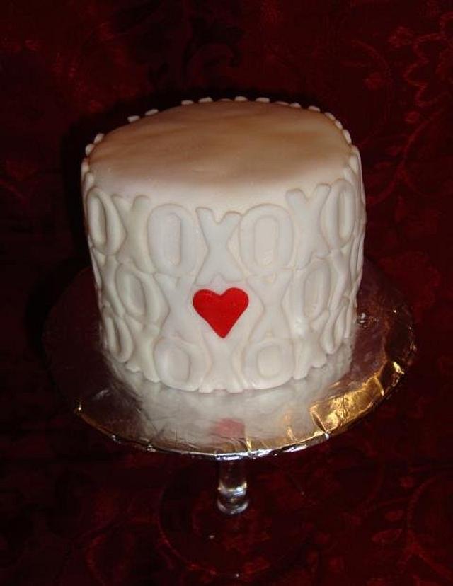 Hugs and Kisses Mini Cake
