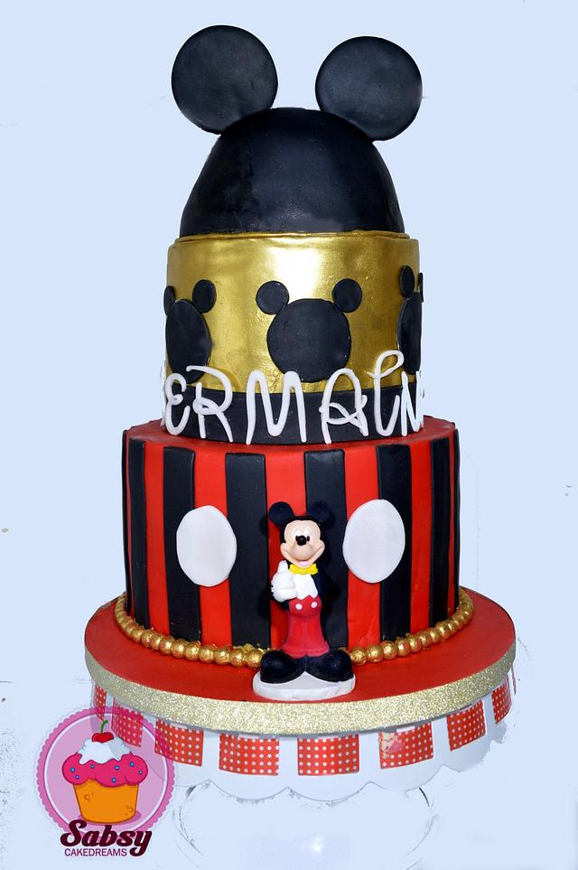 classical mickey mouse cake
