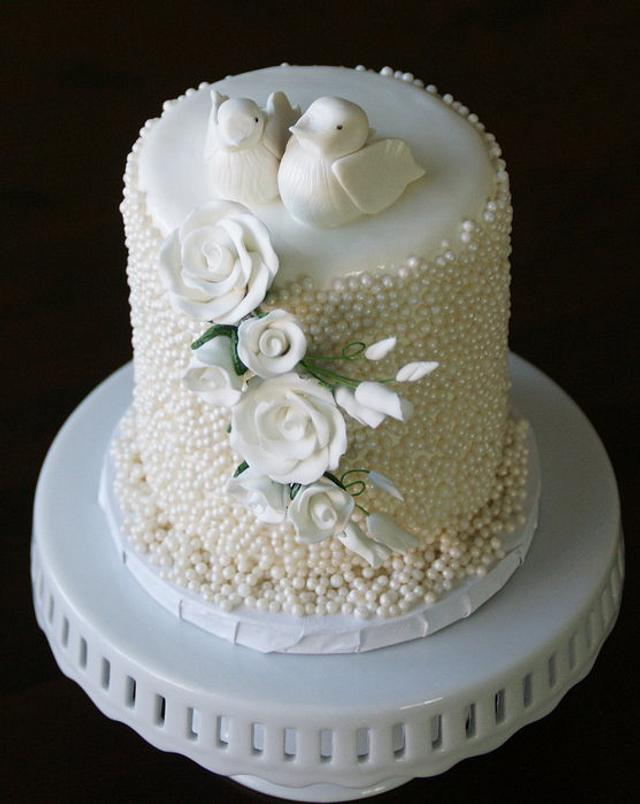 two doves wedding cake