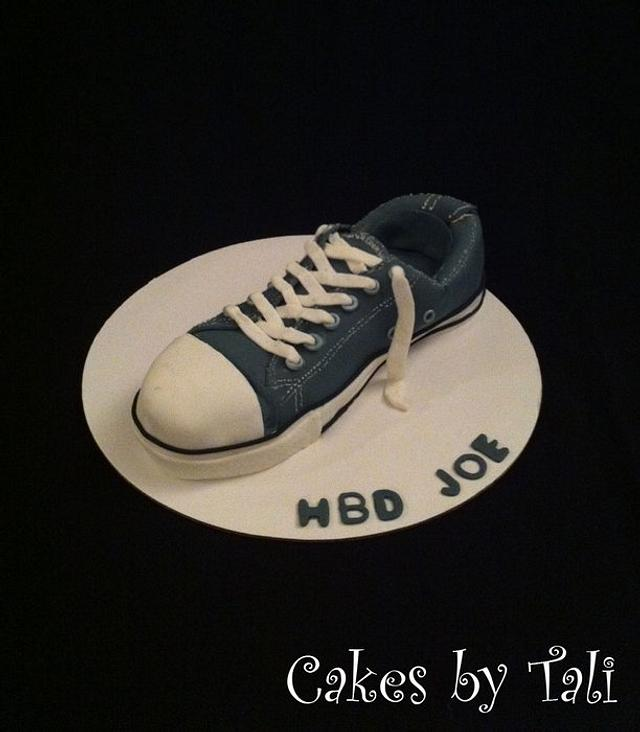 Converse shoe cake.