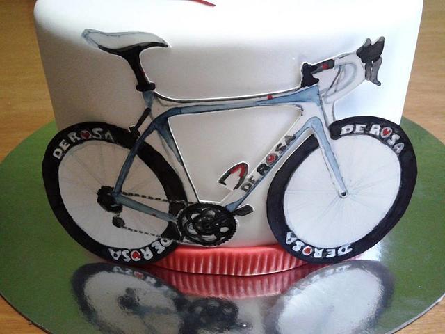Marvelous Bicycle Birthday Cake Cake By Ladolcevit Cakesdecor Personalised Birthday Cards Xaembasilily Jamesorg