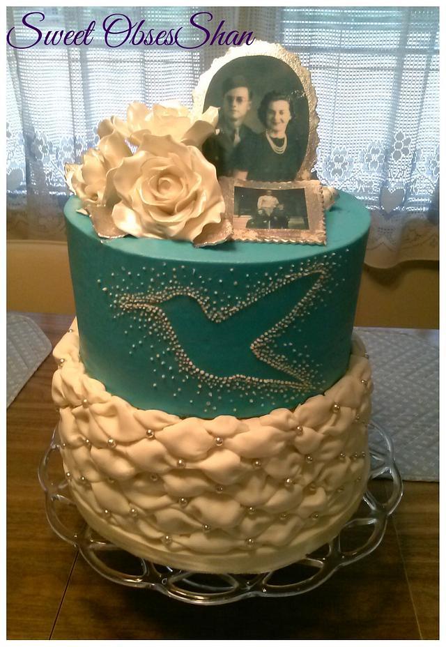 Hummingbird Cake - cake by Sweet ObsesShan - CakesDecor