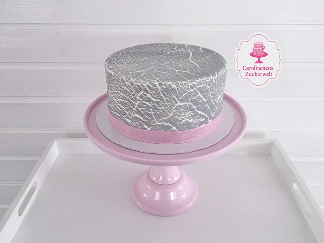 Crackled Cake