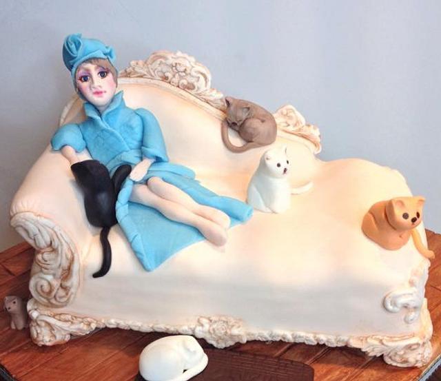 Astounding Crazy Cat Lady Cake By Lesi Lambert Lambert Academy Cakesdecor Funny Birthday Cards Online Elaedamsfinfo