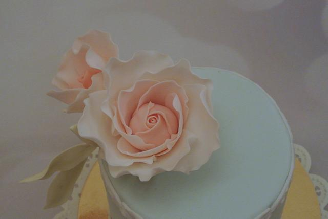 Cake with rose