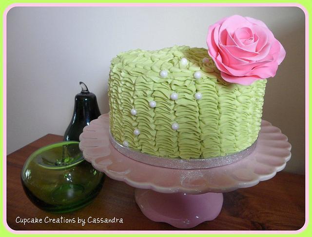 Buttercream ruffle rose Cake