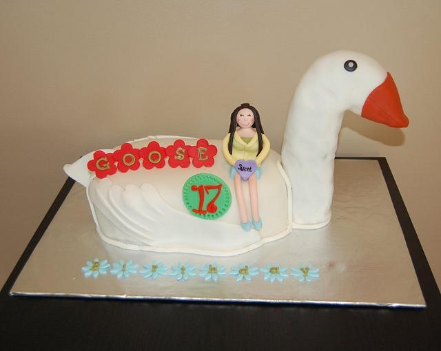 Goose Birthday cake