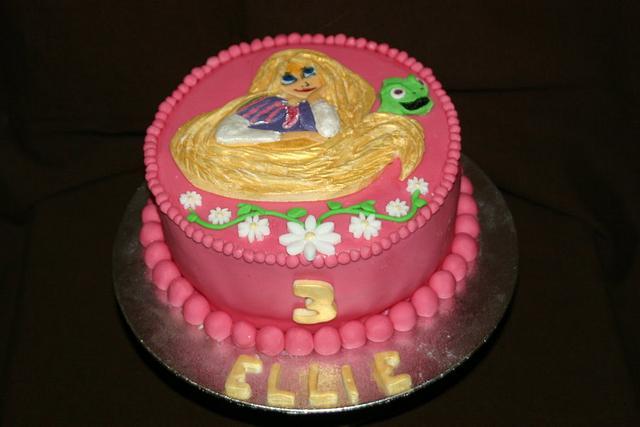 Tangled Rapunzel Cake.