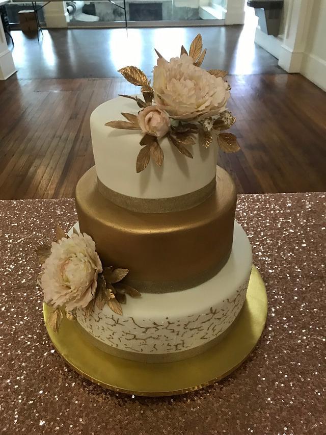 Gold Crackled Wedding Cake