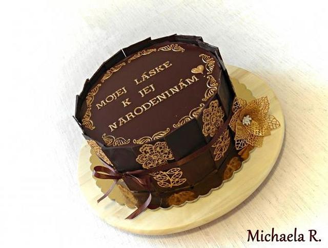 Simply gold-chocolate cake