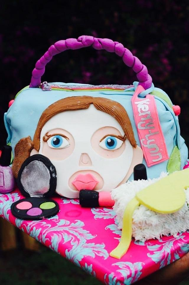 Cosmetic bag cake for a sleepover pamper party