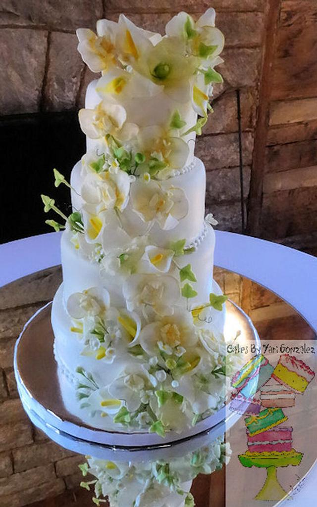 Floral and Ivy Wedding Cake