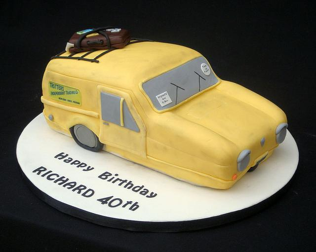 Only Fools and Horses Robin Reliant Novelty Cake