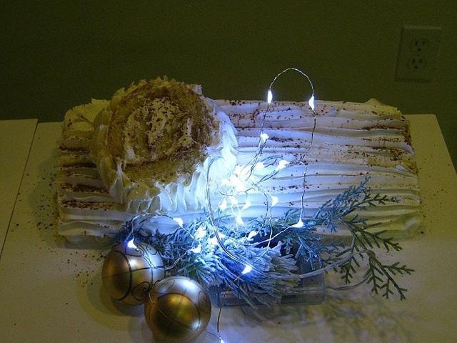 White Buche de Noel
