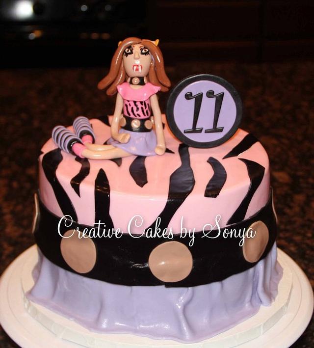 "Monster High ""Clawdeen"" Birthday Cake"