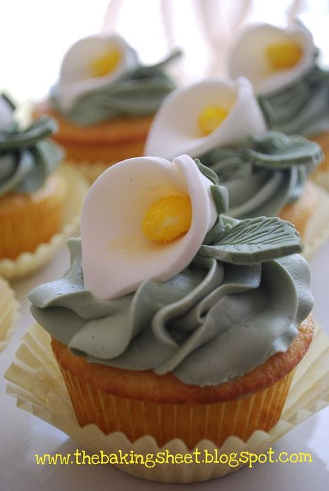Easter Calla Lily Cupcakes!