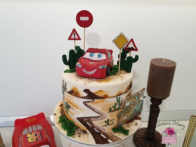 Lightning Mcqueen cake.