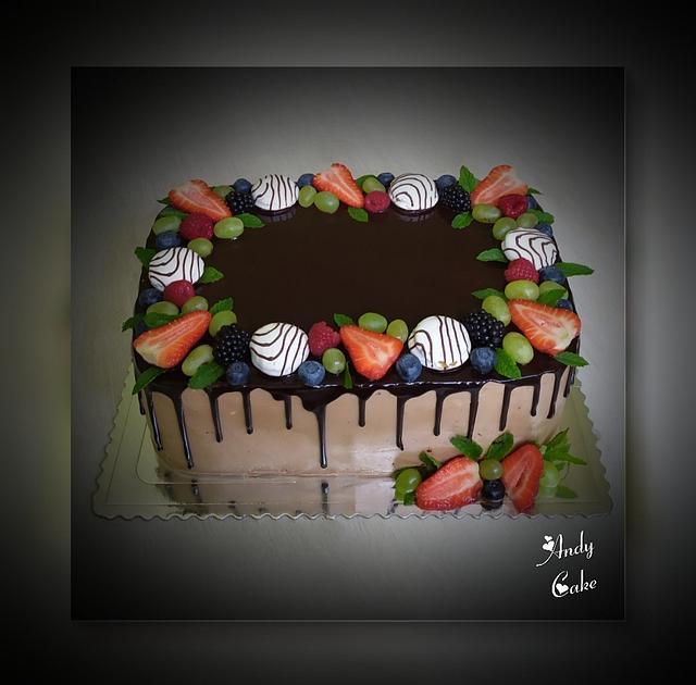 Chocolate cake with fresh fruits