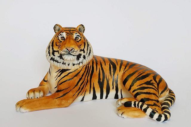 Tiger fondant cake topper