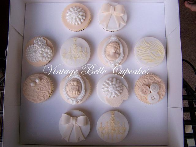 Vintage Belle Cupcakes - Ivory Classic