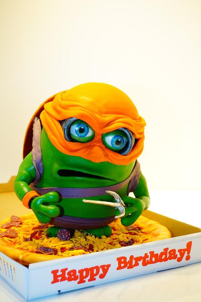 Ninja Turtles Minion cake