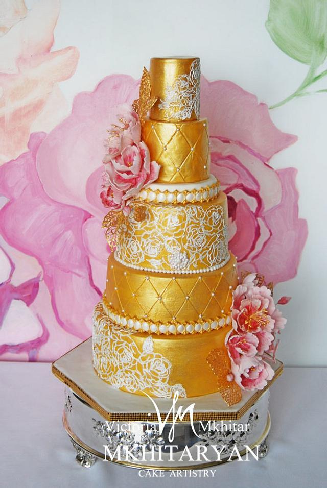 Gold&Lace Wedding Cake