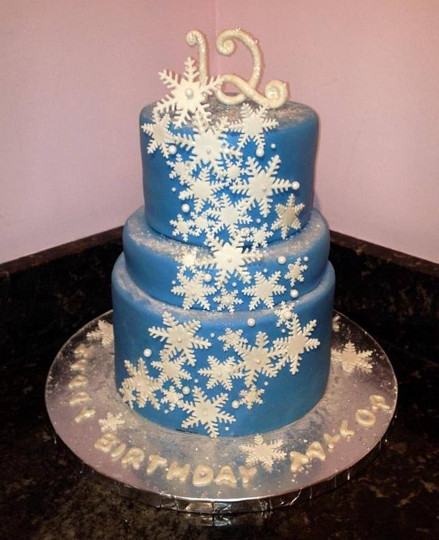 Incredible Snowflake Birthday Cake Cake By Chrissas Cakes Cakesdecor Personalised Birthday Cards Beptaeletsinfo