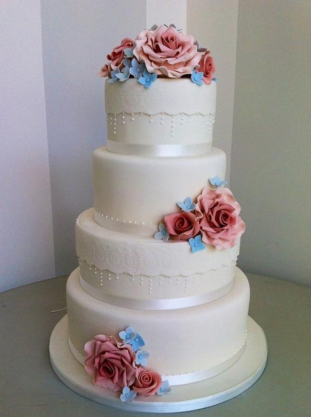 Pink roses wedding cake