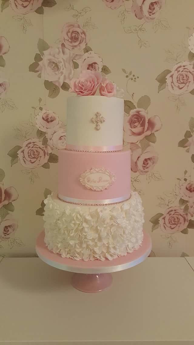 My first ruffle petal rose cake xx