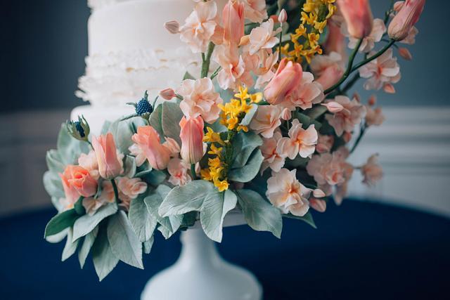 Sugar Flower Wedding Cake I Kentucky Wedding Cake