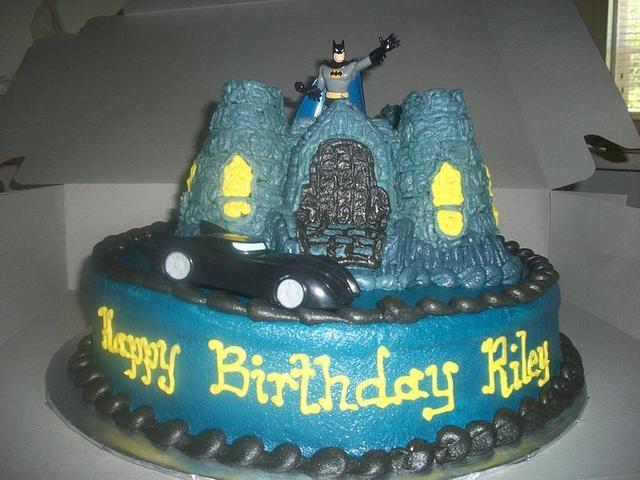 Batman's Castle Cake
