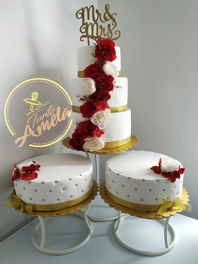Dark red and white beuty wedding cake
