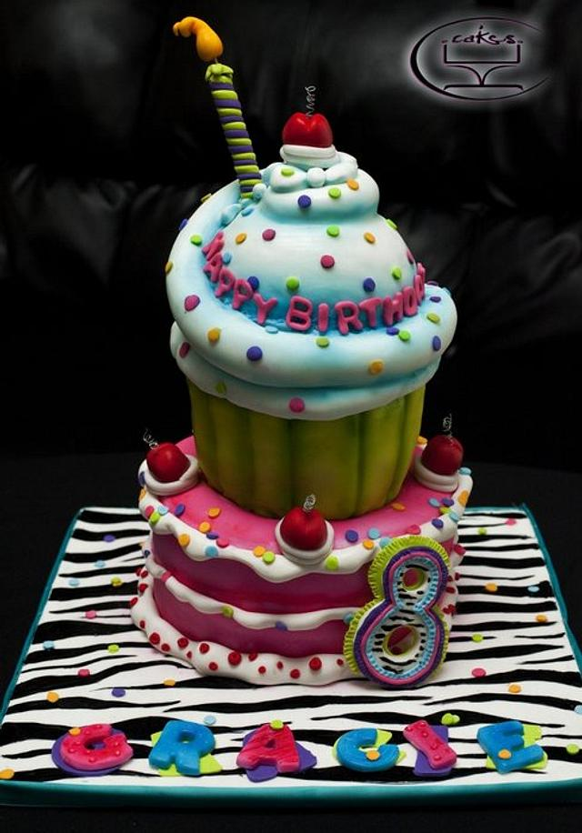 Gracie's 8th birthday cake